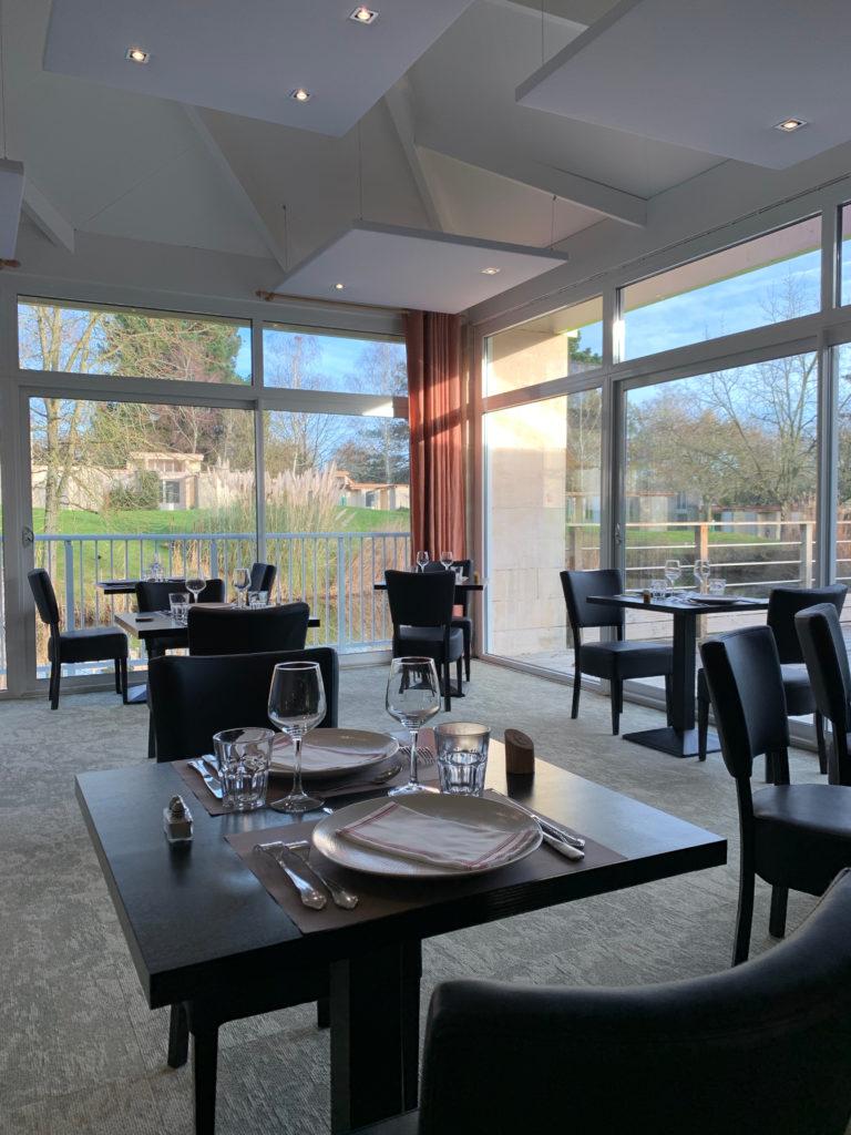 Restaurant l'Harmonie dans la la partie salle Lac
